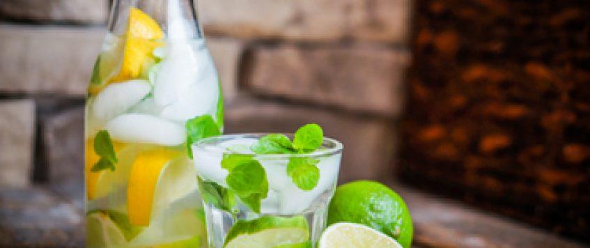 10 astuces pour boire vos 8 verres d'eau par jour